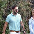 Katherine Heigl enceinte discute avec son mari Josh Kelley à la sortie d' un valet parking à Los Angeles, le 29 octobre 2016