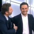 """Philippe Lellouche révèle le passé amoureux de Camille Combal et Stéphanie Loire dans """"Il en pense quoi Camille ?"""" le 17 janvier 2017 sur C8."""