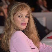 Arielle Dombasle : Traumatisée par son film érotique de jeunesse...