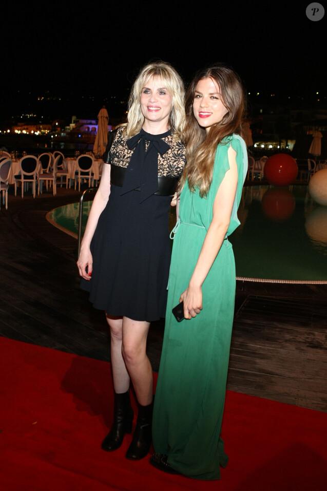 """Emmanuelle Seigner et sa fille Morgane Polanski - 11e Festival du film """"Ischia Global Film Music Fest"""" à Ischia en Italie le 14 juillet 2013."""