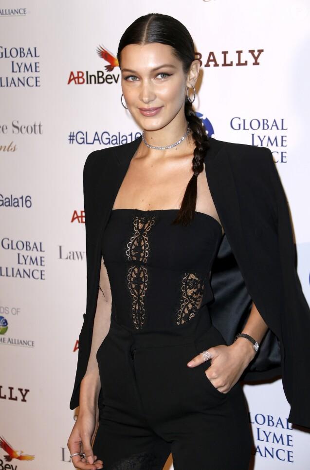 """Bella Hadid arrive au gala pour la soirée """"Uniting for a Lyme-Free World"""" à New York City, New York, Etats-Unis, le 13 octobre 2016. © Charles Guerin/Bestimage"""