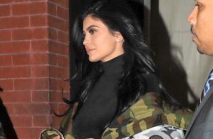 Kylie Jenner : Toute nue sous sa nuisette, la bimbo ose la transparence