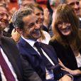 Nicolas Sarkozy et sa femme Carla Bruni-Sarkozy très complices lors d'un meeting à Marseille pour la campagne des primaires des Républicains en vue de l'élection présidentielle de 2017, le 27 octobre 2016. © Bruno Bebert/Bestimage