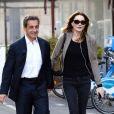 """Semi-Exclusif - Nicolas Sarkozy et sa femme Carla Bruni-Sarkozy sont allés diner au restaurant """"La Petite Maison"""" après avoir participé aux Journées d'études du Parti Populaire Européen à l'hôtel Méridien à Nice, le 1er juin 2016. © Bruno Bebert/Bestimage"""