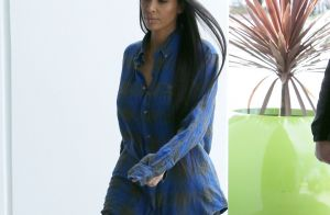 Khloe kardashian claquettes en fourrure quitte le costa for Claquette jean dujardin