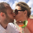 Thomas Buffel et Stéphanie De Buysser posent sur Instagram.