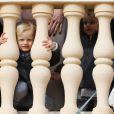 La princesse Charlene et le prince Albert II de Monaco au balcon du palais princier lors de la procession de la fête de sainte Dévote à Monaco le 27 janvier 2017. Le prince Jacques et la princesse Gabriella étaient avec eux. © Olivier Huitel / Pool restreint Monaco / Bestimage