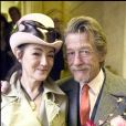 Exclusif - John Hurt et Anwen Rees-Myers lors de leur mariage civil à Londres en février 2015. L'acteur britannique, fameux pour ses rôles dans Midnight Express, Alien, Elephant Man ou encore Harry Potter, est mort le 25 janvier 2017 à son domicile dans le Norfolk, des suites d'un cancer du pancréas.