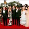 Jennifer Aniston, Brad Pitt, Saffron Burrows, Eric Bana, Orlando Bloom, Diane Kruger et Rose Byrne au Festival de Cannes 2004 lors de la montée des marches du film  Troie .