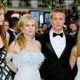 Saffron Burrows, Diane Kruger, Brad Pitt et Jennifer Aniston au Festival de Cannes 2004 lors de la montée des marches du film  Troie .