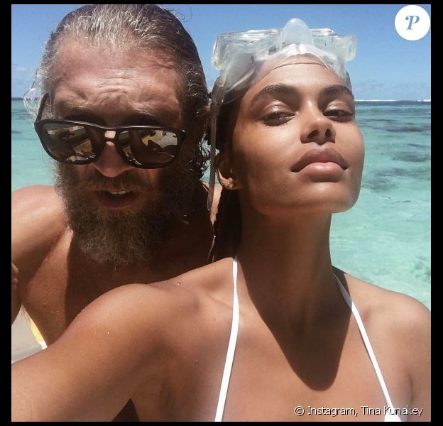 """Tina Kunakey et Vincent Cassel à Tahiti, lorsque Vincent Cassel tournait le film """"Gauguin"""". Photo postée sur Instagram par Tina Kunakey le 28 janvier 2017."""