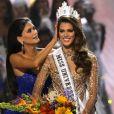 La Française Iris Mittenaere couronnée Miss Univers; choisie face à ses 85 concurrentes, la Française Iris Mittenaere a été élue lundi 30 janvier Miss Univers lors d'un concours télévisé organisé à Pasay, Philippines, le 30 janvier 2017. © Linus Guardian Escandor/Zuma Press/Bestimage
