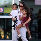 Kim Kardashian : Elle quitte le Costa Rica en famille, les bras chargés !