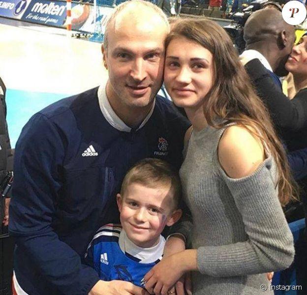 Thierry Omeyer avec ses enfants Loris et Manon lors du Mondial 2017 de handball à Paris, photo partagée sur Facebook et Instagram le 28 janvier 2017.