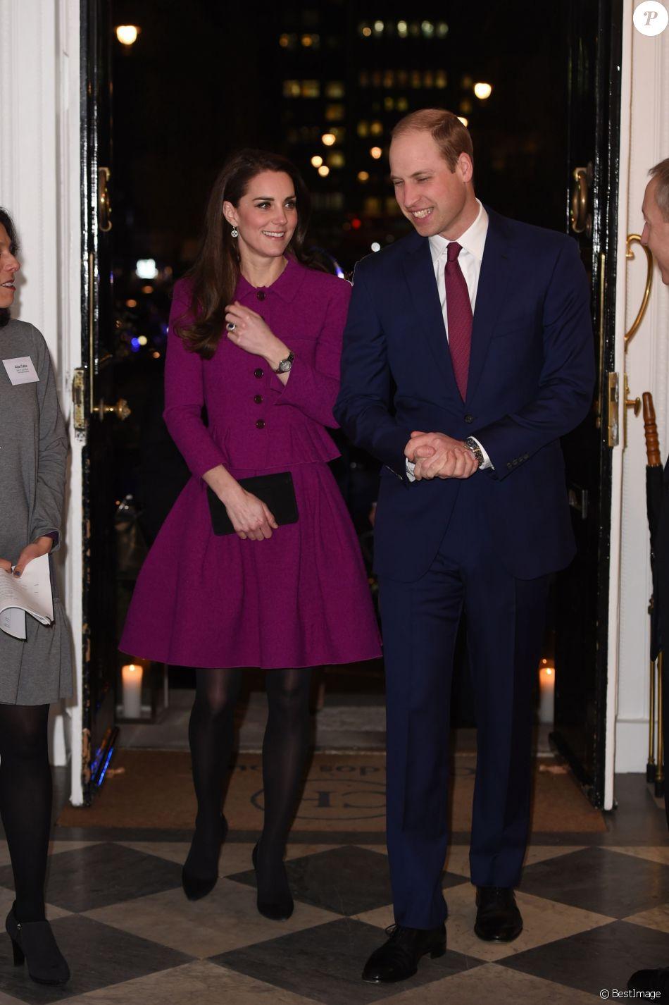 """Le prince William et la duchesse Catherine de Cambridge avaient rendez-vous à Londres dans la soirée du 6 février 2017 avec des journalistes santé de la Guild of Health Writers à l'occasion d'une conférence sur le thème """"L'épidémie d'anxiété"""", en lien avec l'action de leur campagne Heads Together en faveur de la santé mentale."""
