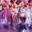 Lady Gaga se produit sur scène lors de la mi-temps du Super Bowl. Vidéo publiée sur Youtube le 6 février 2017