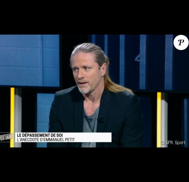 """Emmanuel Petit dans l'émission """"Le vestiaire"""" le 6 février 2017, sur SFR Sport."""