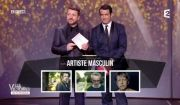 Renaud avait enregistré un message vidéo pour les 32e Victoires de la Musique, qui avaient lieu le 10 février 2017 au Zénith de Paris tandis qu'il se trouvait en concert à Nantes. Il a reçu la Victoire de l'interprète masculin de l'année.