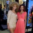 Beyoncé et sa soeur Solange à la première de Austin Powers le 23 juillet 2002