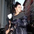 Kendall Jenner arrive au 11, Mercer St pour participer à une séance de dédicace pour V Magazine. New York, le 10 février 2017.