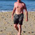 Hugh Jackman va se baigner de bon matin sur la plage de Bondi. Sydney, Australie, le 17 août 2016.