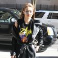 Gigi Hadid porte un t-shirt à l'effigie de son compagnon pour la Saint Valentin à New York le 14 février 2017.