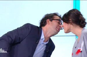 Cyrille Eldin embrasse sa chroniqueuse Sandrine Calvayrac dans Le Petit Journal