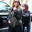 Mariah Carey en pleine séance de shopping à Beverly Hills Los Angeles, le 18 février 2017  52319145 Singer Mariah Carey was seen out shopping in Beverly Hills, California on February 18, 2017. She was all smiles while out and about.18/02/2017 - Los Angeles