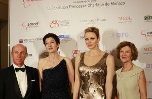 Charlene de Monaco : Beauté étincelante pour un gala avec une James Bond girl