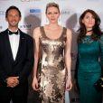 Pierre Frolla, la princesse Charlene de Monaco, Caterina Murino, Remo Girone et sa femme Victoria Zinny - Photocall de la soirée de gala de L'AMREF Flying Doctors à Monaco le 24 février 2017.