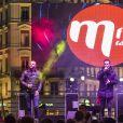 David Ban, Damien Sargue et Victoria ( Les 3 Mousquetaires) lors du concert MFM Radio Live, place de la République à Lyon, le 3 mars 2017.