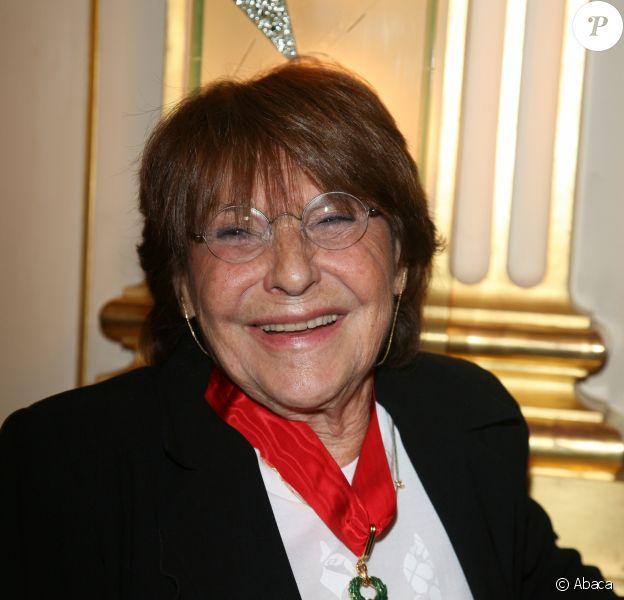 Eliane Victor le 17 septembre 2008 lors de la remise de ses insignes de Commandeur dans l'ordre national de la Légion d'Honneur au ministère de la Culture et de la Communication.