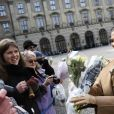 La princesse Victoria de Suède a célébré en famille, avec son mari Daniel et leurs enfants Estelle et Oscar, et en public le 12 mars 2017 la sainte Victoria, dans la cour intérieure du palais Drottningholm, à Stockholm.