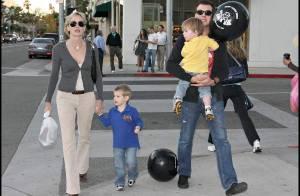 Sharon Stone retrouve son toy boy... pour s'occuper de ses petits bouts !