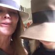 Carla Bruni chantant avec sa fille Giulia (5 ans) sur Instagram pour rendre hommage à Chuck Berry le 19 mars 2017