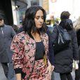 Demi Lovato se balade et signe des autographes dans les rues de New York, le 20 mars 2017