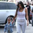 Kim Kardashian et sa fille North West à Los Angeles le 10 mars 2017.