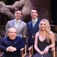 James Phelps, Evanna Lynch, Warwick Davis et Oliver Phelpslors de la visite de la Forêt Interdite dans le Warner Bros. Studio Tour London - The Making of Harry Potter, près de Londres, le 28 mars 2017.