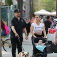 Ice-T, son épouse Coco, leur fille Chanel Nicole Marrow et leur chien à Miami, le 18 Janvier 2017.