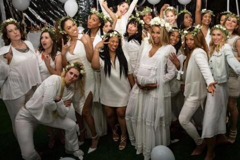 Ciara, enceinte : Angélique et comblée pour sa baby shower