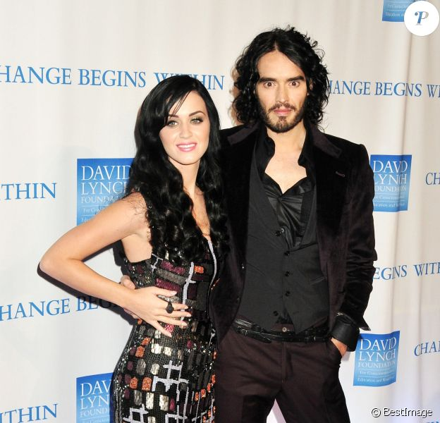 Katy Perry et Russell Brand à la soirée Change for begins from within à New York, le 13 décembre 2010