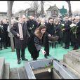 Les enfants de George Cravenne, Charles, Rebecca et François-David, aux obsèques de leur père