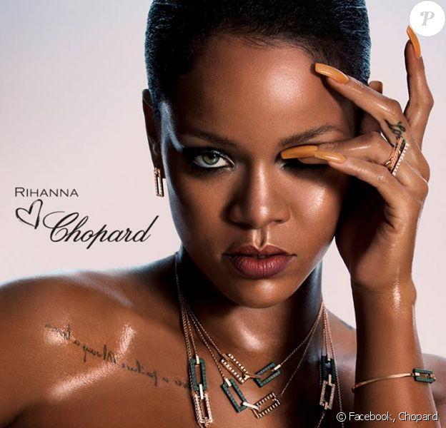 """Les collections """"Rihanna Loves Chopard"""", conçue par Rihanna et la co-présidente et directrice artistique de Chopard, Caroline Scheufele, est disponible en pré-commande."""