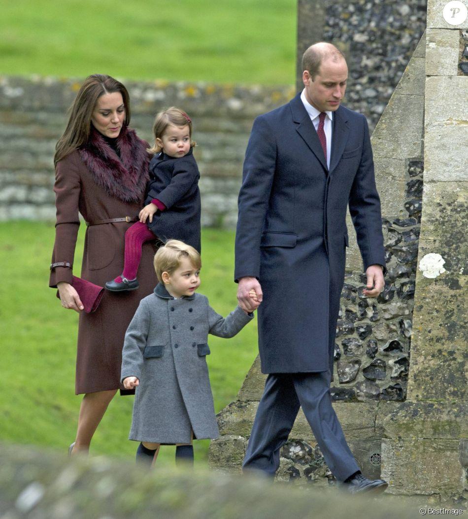 Kate Middleton et le prince William avec leurs enfants le prince George de Cambridge et la princesse Charlotte de Cambridge arrivant à l'église St Mark à Englefield (Berkshire) pour la messe de Noël au matin du 25 décembre 2016. C'est là que sera célébré le 20 mai 2017 le mariage de Pippa Middleton et James Matthews.
