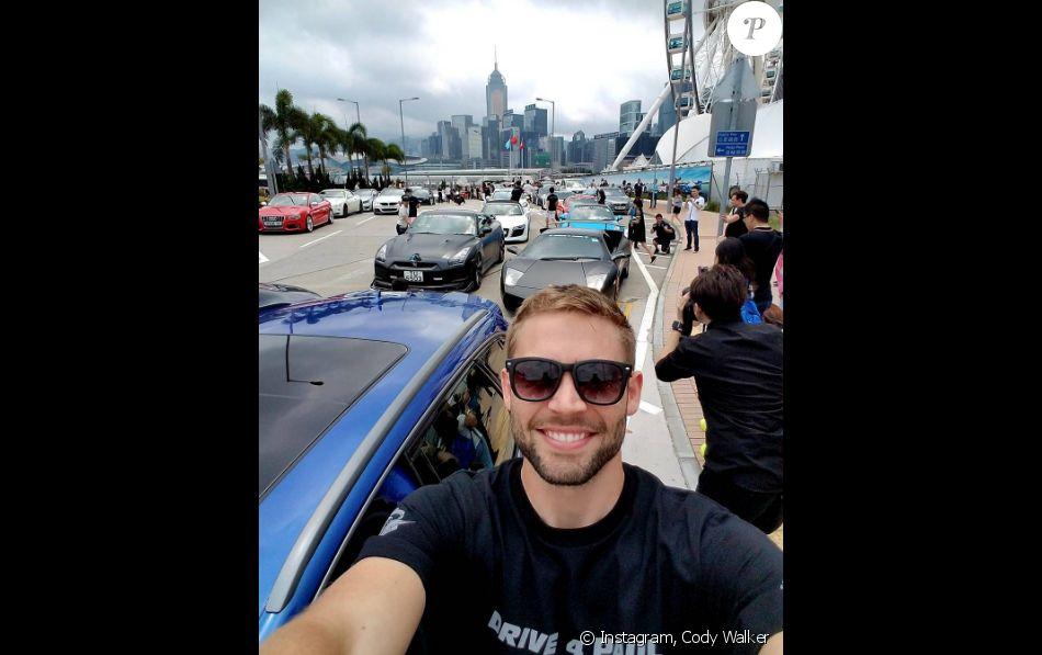 Cody Walker en Australie pour la fondation de Paul Walker.