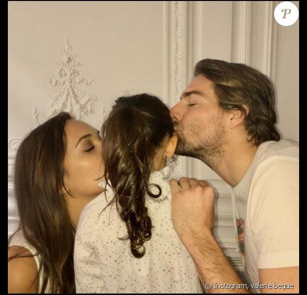 Valérie Bègue partage une photo avec sa fille Jazz et son ex-mari Camille Lacourt sur Instagram le 3 avril 2017.