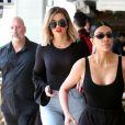 Kim Kardashian et ses soeurs Khloe Kardashian et Kourtney Kardashian sont allées déjeuner au restaurant Fabrocinis restaurant à Beverly Glen à Los Angeles, le 7 avril 2017.s