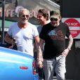 Exclusif - Johnny Hallyday a déjeuné au restaurant 26 Beach à Venice avec son ami Jean-Claude Darmon et son manager Sébastien Farran, le 22 avril 2017 à Los Angeles.