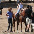 """Exclusif - Caitlyn Jenner (Bruce Jenner) et sa fille Kendall Jenner sont allées faire de l'équitation sur le tournage de leur émission """"Keeping Up with the Kardashians"""" à Santa Clarita, le 23 octobre 2016"""