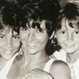 """Grégory Lemarchal et sa petite soeur Leslie, des archives familiales dévoilées dans """"Grands reportages"""" sur TF1 le 30 avril 2017."""